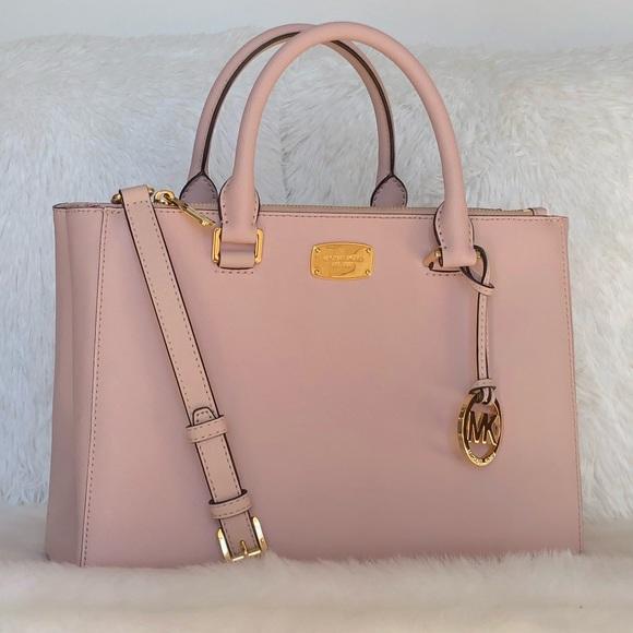 e2305fefe3d7 🌟Michael Kors Light Pink Leather Satchel. M_5a9899b98290afda8e3297cf
